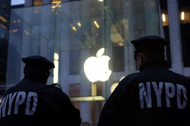 FBI Hacks iPhone, Ending Apple Encryption Challenge